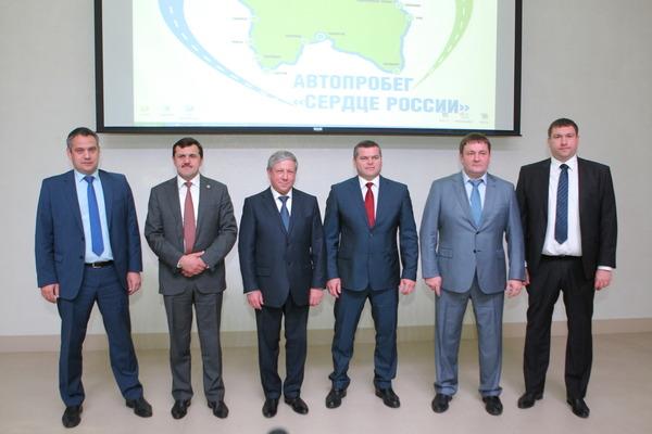 Спикерами итоговой пресс-конференции были слева направо:Газизуллин Б.Б.-директор филиала ООО
