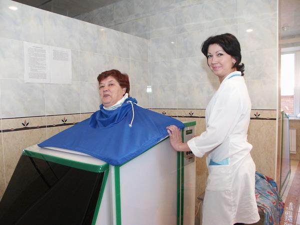 """Отдыхающие судовольствием принимают """"Сухие углекислые ванны"""""""